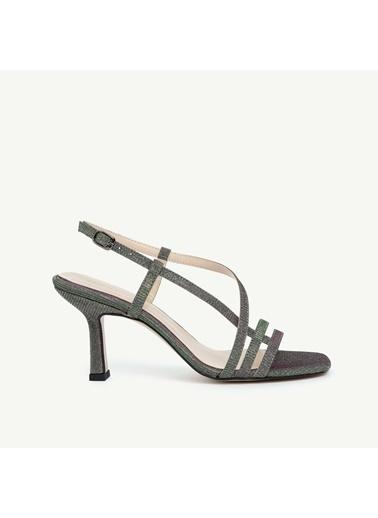 Yargıcı Kadın Parlak Çok Bantlı Kumaş Topuklu Klasik Ayakkabı 0KKAY4021X325 Yeşil